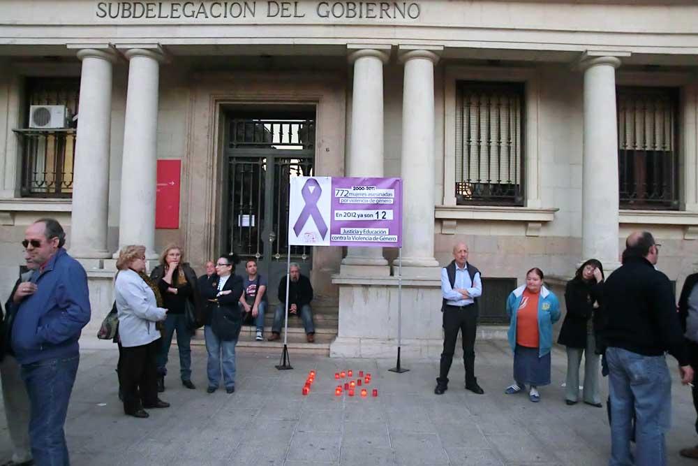 Concentración en Repulsa de la Violencia de Género - AFAVIR